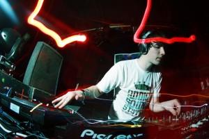 DJ Netsky (Foto von Wikipedia, lizenziert unter CC)